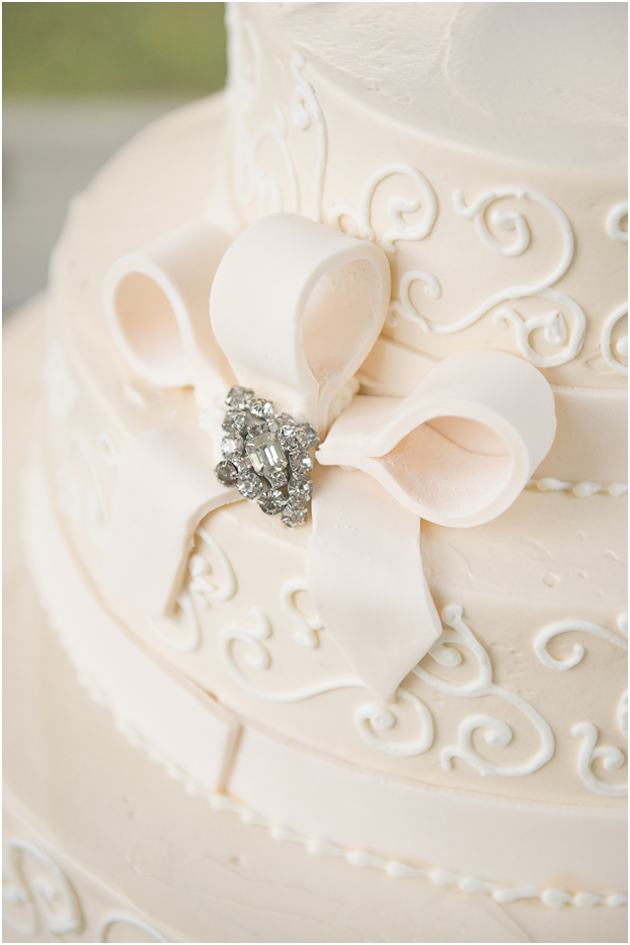Wedding cake Harkness Mansion Stefanie Kapra CT wedding Photographer ny sc