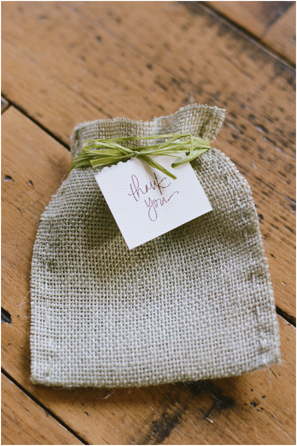 Finished burlap back with tag | Stefanie Kapra Photography | Wedding Favor DIY