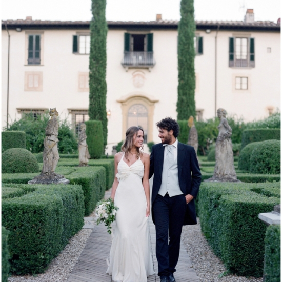Tuscan Countryside wedding by Stefanie Kapra
